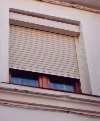 Persianas exteriores para balcones persianas de madera persianas de aluminio persianas de pvc - Ventana con persiana integrada ...